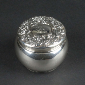 SOLD: Sterling silver powder box, Renaissance, Dominick & Haff