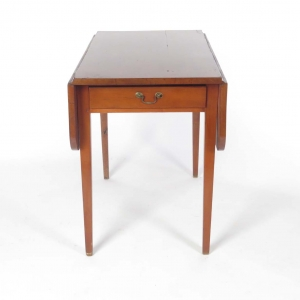 19th century cherry Hepplewhite Pembroke table